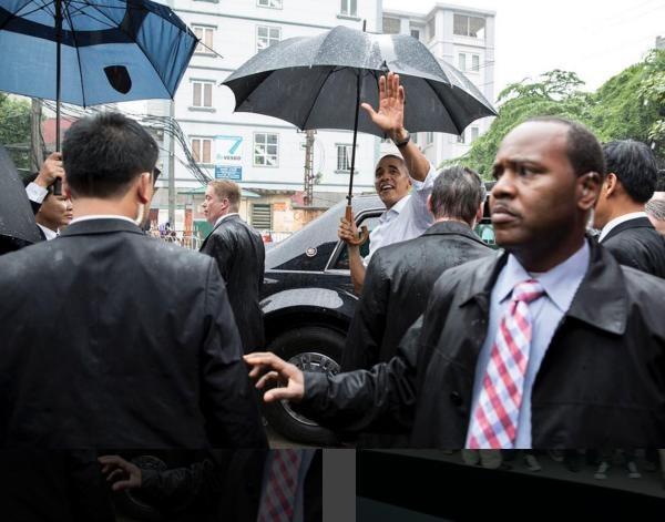 Obama tham Viet Nam qua ong kinh nhiep anh gia Nha Trang hinh anh 3