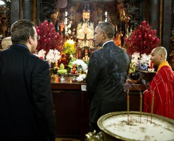 Obama tham Viet Nam qua ong kinh nhiep anh gia Nha Trang hinh anh 2
