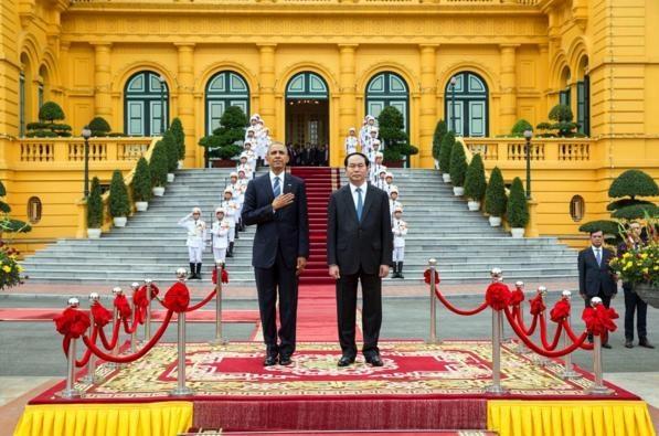 Obama tham Viet Nam qua ong kinh nhiep anh gia Nha Trang hinh anh 11