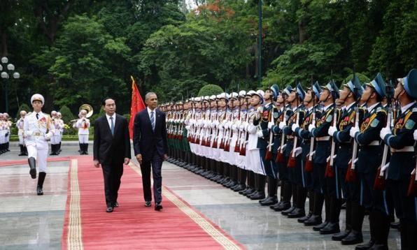 Obama tham Viet Nam qua ong kinh nhiep anh gia Nha Trang hinh anh 12