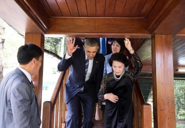 Obama tham Viet Nam qua ong kinh nhiep anh gia Nha Trang hinh anh 7
