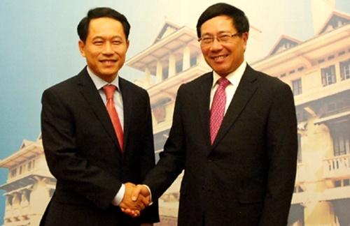 Viet, Lao nhat tri duy tri lap truong cua ASEAN ve Bien Dong hinh anh 1