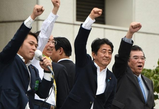 Thu tuong Abe: Con qua som de ban ve sua hien phap hinh anh 1