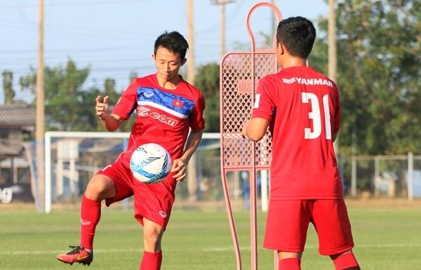 Bau Duc cho CLB Viettel muon tien ve U23 Viet Nam hinh anh