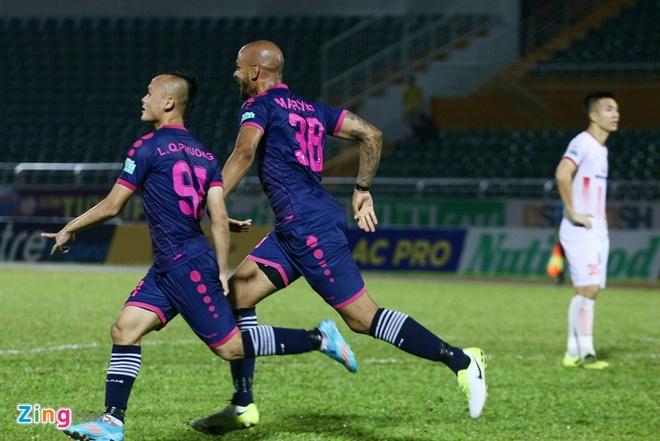 Dong doi cu cua Eden Hazard phan khich khi lan dau da o V.League hinh anh 7