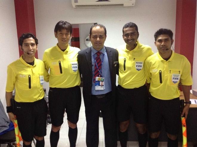 Trong tai so 1 Malaysia thoi tran tranh suat tru hang V.League 2018 hinh anh