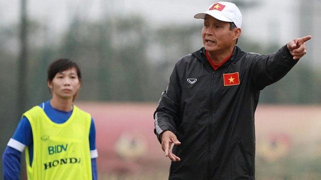 HLV Mai Duc Chung: 'Ky luat nu cau thu danh nhau nen co tinh giao duc' hinh anh