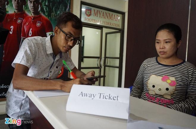 Myanmar siet chat an ninh voi CDV Viet Nam o AFF Cup 2018 hinh anh 1
