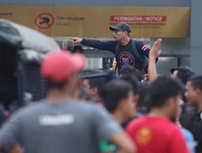 CDV Malaysia noi gian vi het ve xem chung ket AFF Cup voi Viet Nam hinh anh
