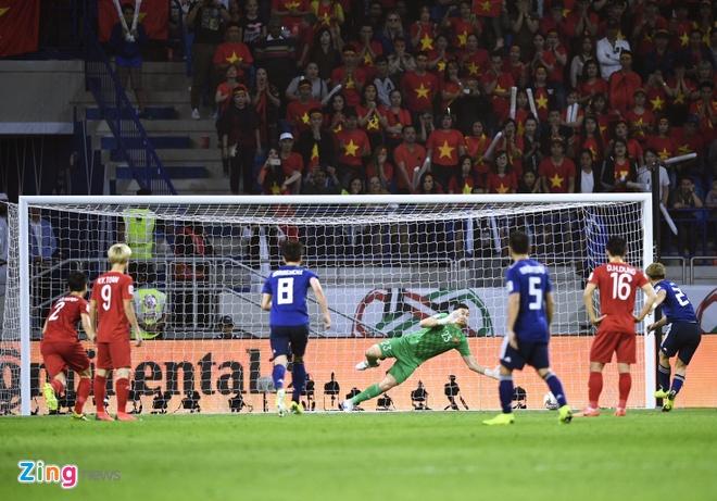 Cuu trong tai FIFA: 'Tinh huong phat den dien ra qua nhanh' hinh anh 2