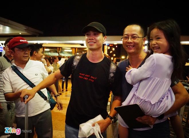 Cong Phuong tap luyen o HAGL vi chua co visa di Phap hinh anh 2