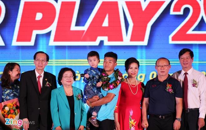 Park Hang Seo,  Ha Duc Chinh,  Duc Chinh,  Fair Play 2018,  Giai Fair Play,  Quang Hai,  Bui Tien Dung anh 1