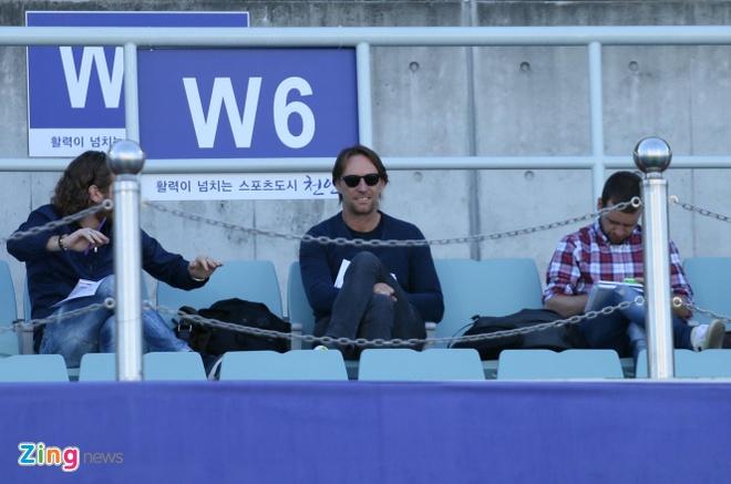 Doan Van Hau duoc CLB Duc theo doi o U20 World Cup nhu the nao? hinh anh 3
