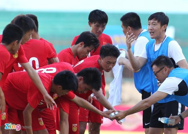 doi bong Trung Quoc gap Viet Nam,  U19 Trung Quoc gap U19 Viet Nam anh 1