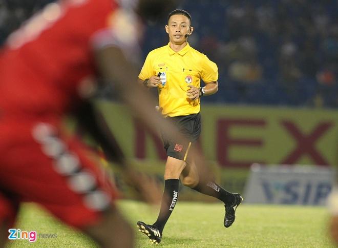 Trong tai Ngo Duy Lan khong bat tran nao o vong 9 V.League hinh anh 1