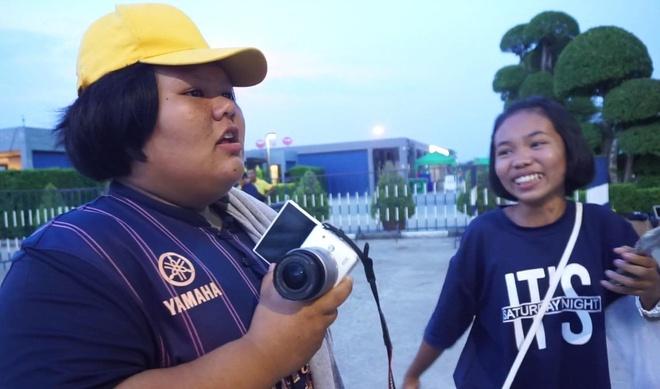 Fan nu cho den toi de dong vien Xuan Truong thang Dang Van Lam hinh anh