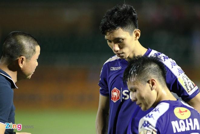 'Đoàn Văn Hậu khó bình phục trước trận gặp Thái Lan'