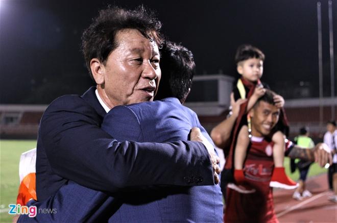 HLV Chung Hae-seong gan bo them 3 nam voi a quan V.League 2019 hinh anh 1