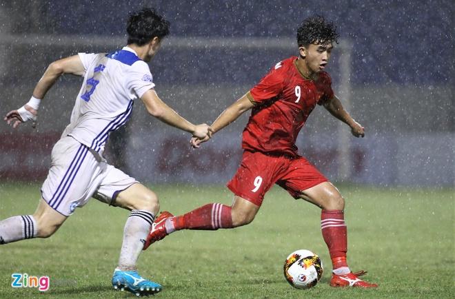 Duong Hong Son tien cu nua doi hinh U21 cho HLV Park hinh anh 2