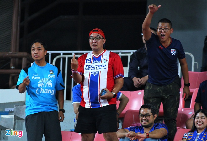 CDV Thai Lan chui cau thu U23 Bahrain hinh anh 2 thai_lan_fan_zing.jpg