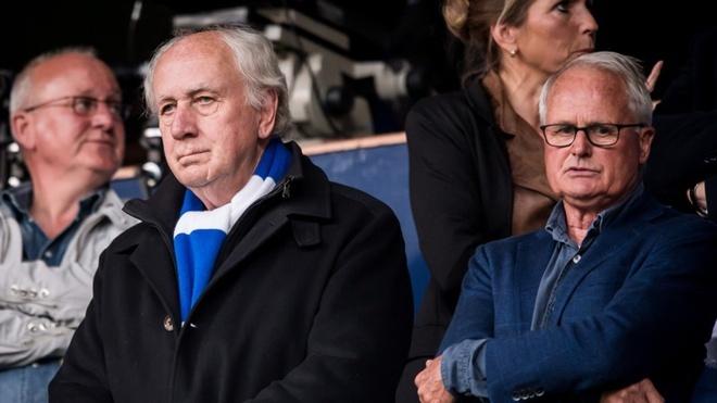 Cựu chủ tịch Velde đang tạo sóng dư luận khi chỉ trích vụ mượn Vặn Hậu. Ảnh: Anp Pro Shots.