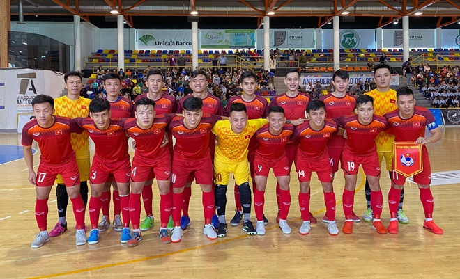 Đội tuyển futsal Việt Nam ở trận đấu đầu tiên tại Malaga. Ảnh: VFF.