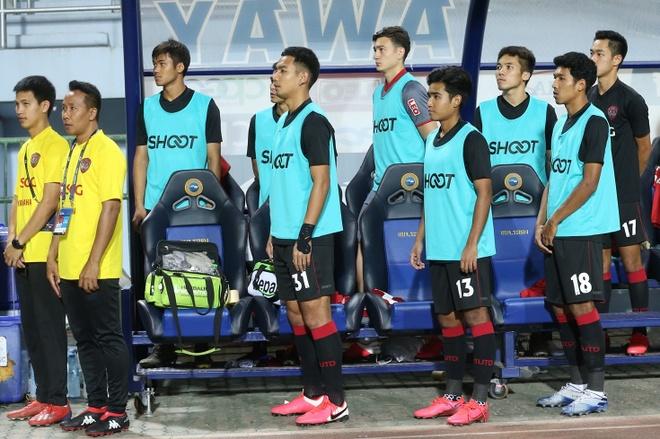 Van Lam du bi chua ro ly do o Muangthong United hinh anh 2 lam_tay.jpg