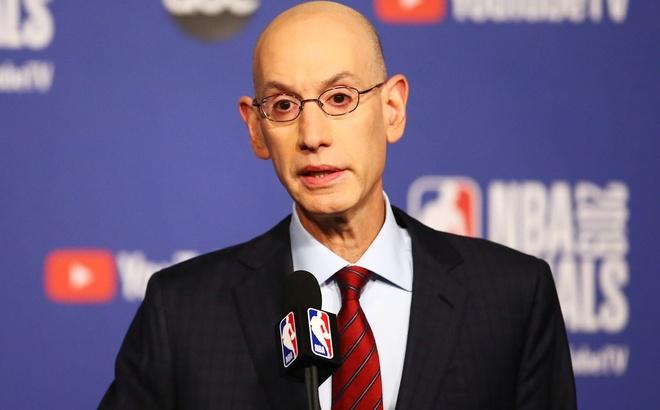 NBA no luc dua giai dau tro lai vao giua nam 2020 hinh anh 2 Adam_Silver.jpg