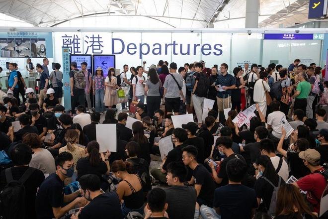'Bieu tinh o Hong Kong nghiem trong hon thuong chien My - Trung' hinh anh 3