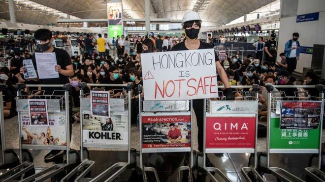 'Bieu tinh o Hong Kong nghiem trong hon thuong chien My - Trung' hinh anh 2