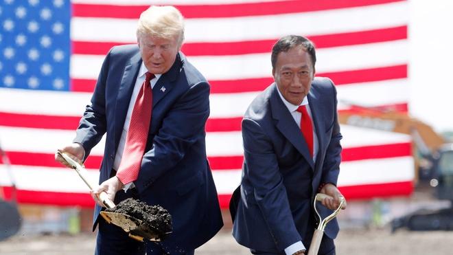Ông trùm lắp ráp iPhone chưa bỏ giấc mơ làm 'Donald Trump xứ Đài'