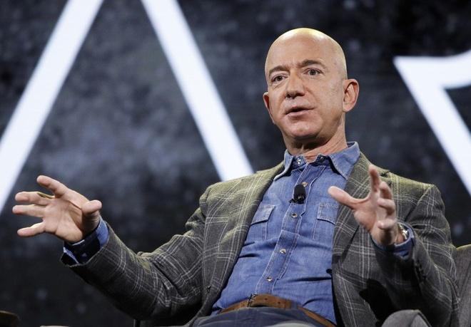 Jeff Bezos, Mark Zuckerberg, Jack Ma deu khong lai xe sang hinh anh 1