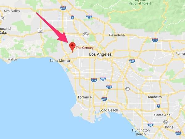 Ben trong can ho dat nhat Los Angeles cua nam tai tu 'Friends' hinh anh 2 10.jpg