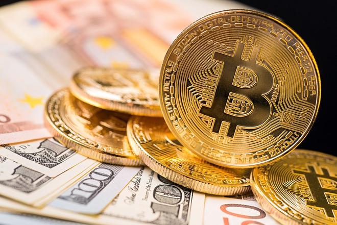 Giá Bitcoin bật tăng mạnh - Kinh doanh