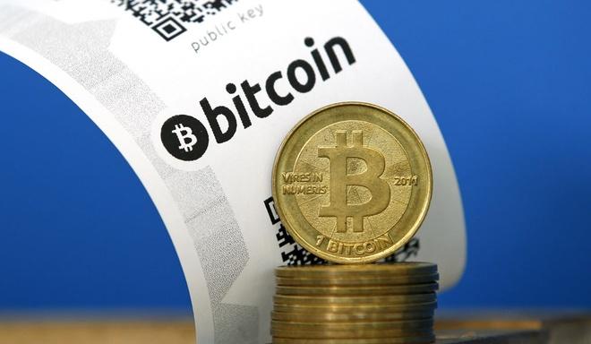 gia-bitcoin-tuot-doc-sau-ky-luc-moi