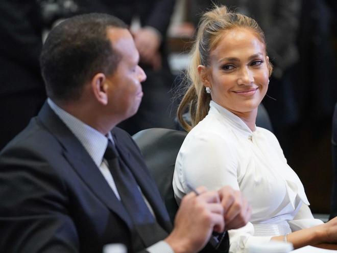 Cuu tong thong Barack Obama viet thu tay chuc mung Jennifer Lopez dinh hon anh 3