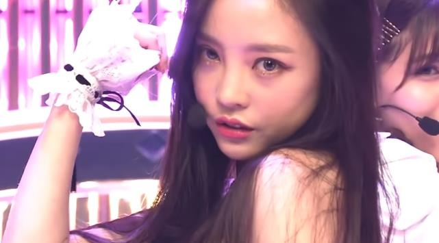 Goo Hara xu ly kheo leo khi gap su co lo noi y hinh anh
