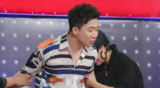 Tran Thanh bat trend 'Chi hieu hong?', bi thi sinh chan hong hinh anh