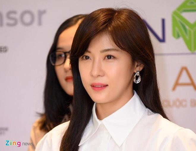 'Hoang hau Ki' Ha Ji Won: 'Toi muon dua gia dinh toi Viet Nam choi' hinh anh