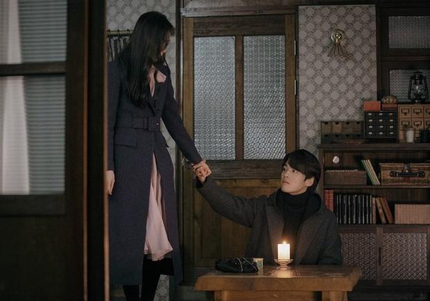 'Ha canh noi anh' tap 15: Seo Dan bo tron cung 'thanh lua dao' hinh anh 1 2.jpg