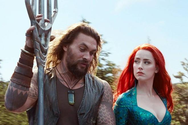 "Amber Heard鼓励反粉丝在"" Aquaman""图片4 4.jpg中扮演Mera的角色。"