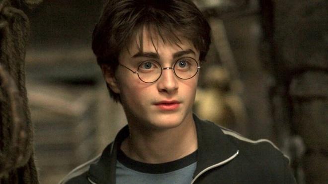 Daniel Radcliffe, David Beckham doc 'Harry Potter' phien ban moi hinh anh 1 2_2.jpg