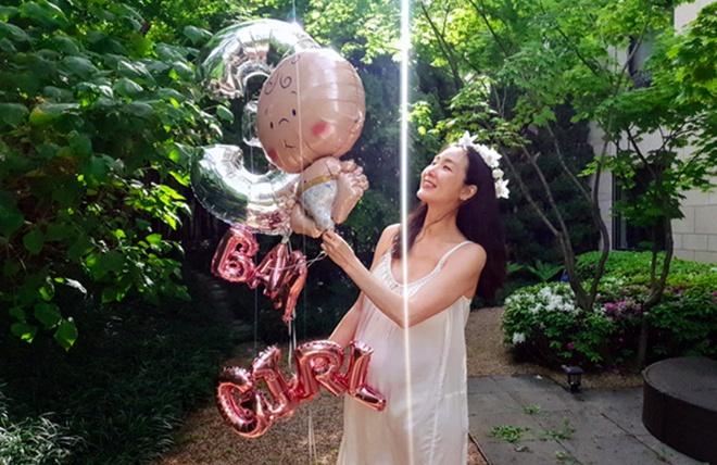Choi Ji Woo mang thai anh 1