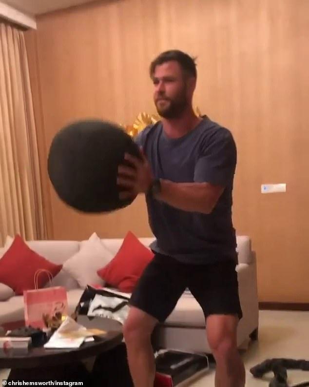 Hau truong tap luyen cua Chris Hemsworth trong 'Extraction' hinh anh 2 6.jpg