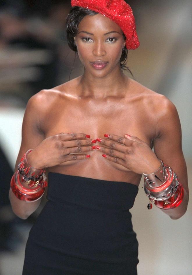 Sieu mau Naomi Campbell dang anh moi vao nghe nhan sinh nhat tuoi 50 hinh anh 4 2.jpg