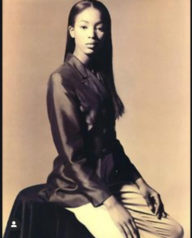 Sieu mau Naomi Campbell dang anh moi vao nghe nhan sinh nhat tuoi 50 hinh anh 2 5.jpg