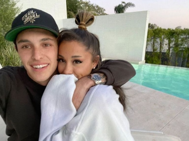 Ariana grande hen ho anh 7