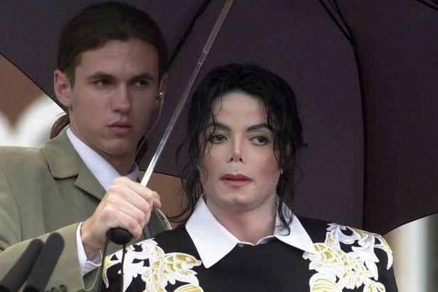 Michael Jackson lam dung tinh duc anh 2