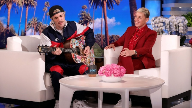 Ellen DeGeneres bat nat khach moi anh 1