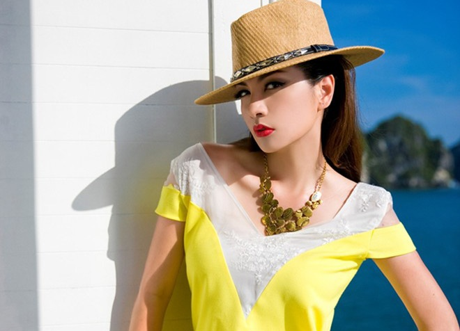 Trang phuc Ngoc Thuy mac bi nghi nhai cua Dior hinh anh